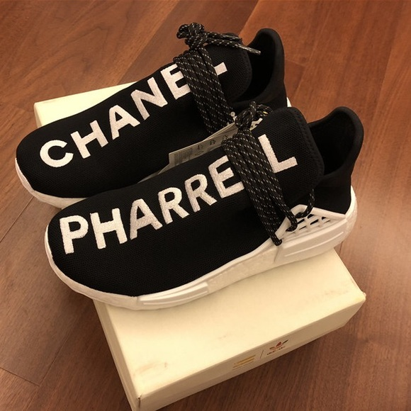 brand new 16d10 cf6c8 PHARRELL X CHANEL NMD ADIDAS SNEAKER NWT